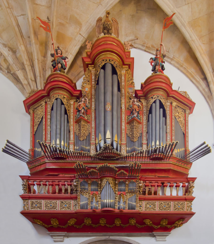 Baroque pipe organ of the XVIII century by the Spanish Gómez Herrera, Monastery of Santa Cruz, Coimbra, Portugal